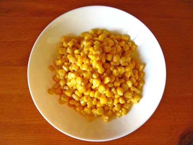 Консервована кукурудза.
