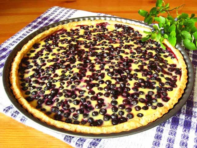 Пиріг з чорницею готовий.